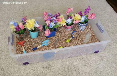 flowers sensory bin
